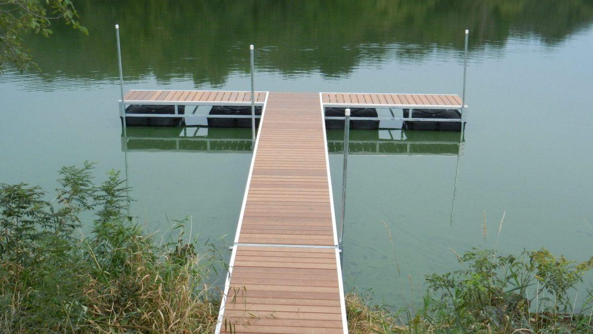 Par 3 pond dock