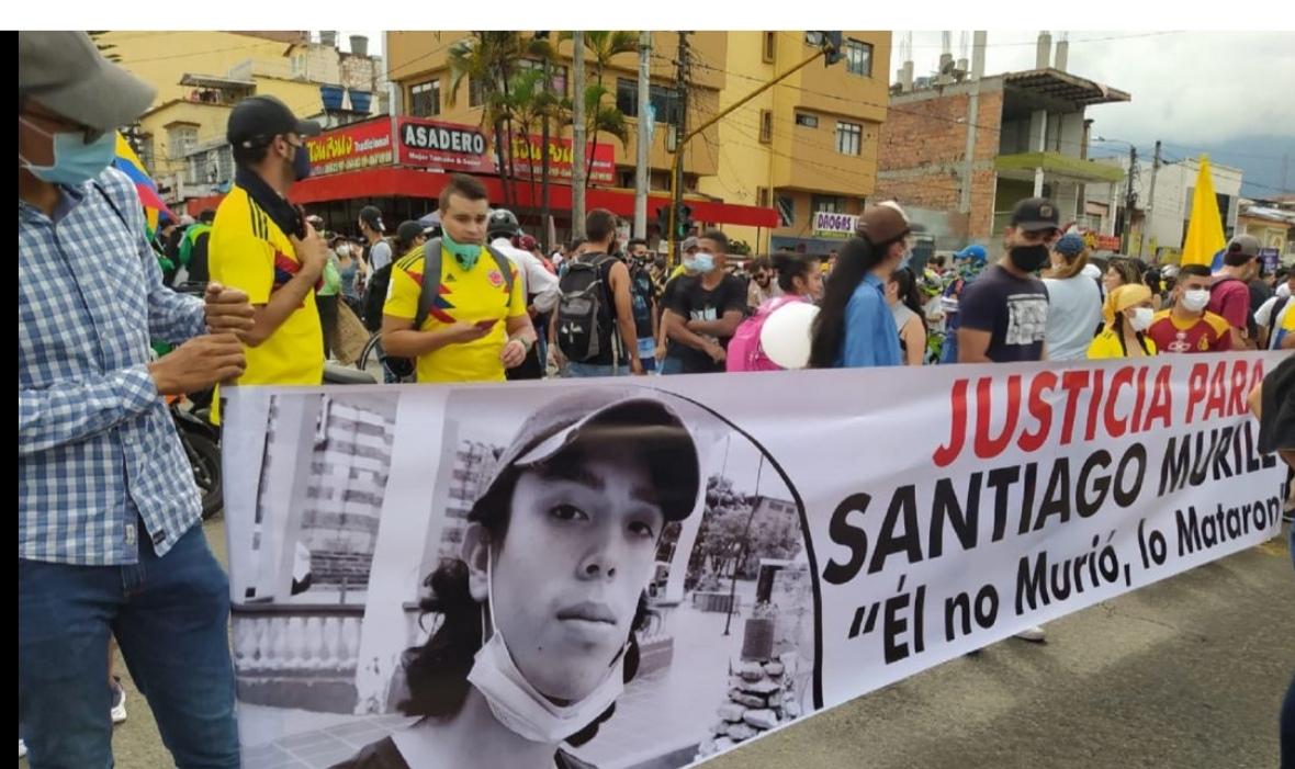 A la cárcel mayor de la Policía por la muerte de Santiago Murillo. 1