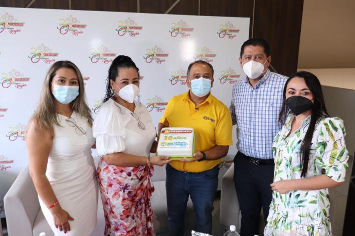 Cámara de Comercio de Ibagué realizó un reconocimiento a Supermercados Mercacentro. 3