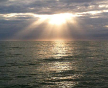 sun rays over ocean(small)