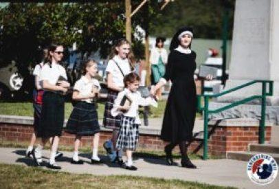 linden-nun-and-schoolgirls