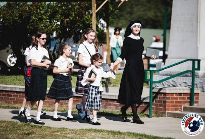 linden-nun-and-schoolgirls