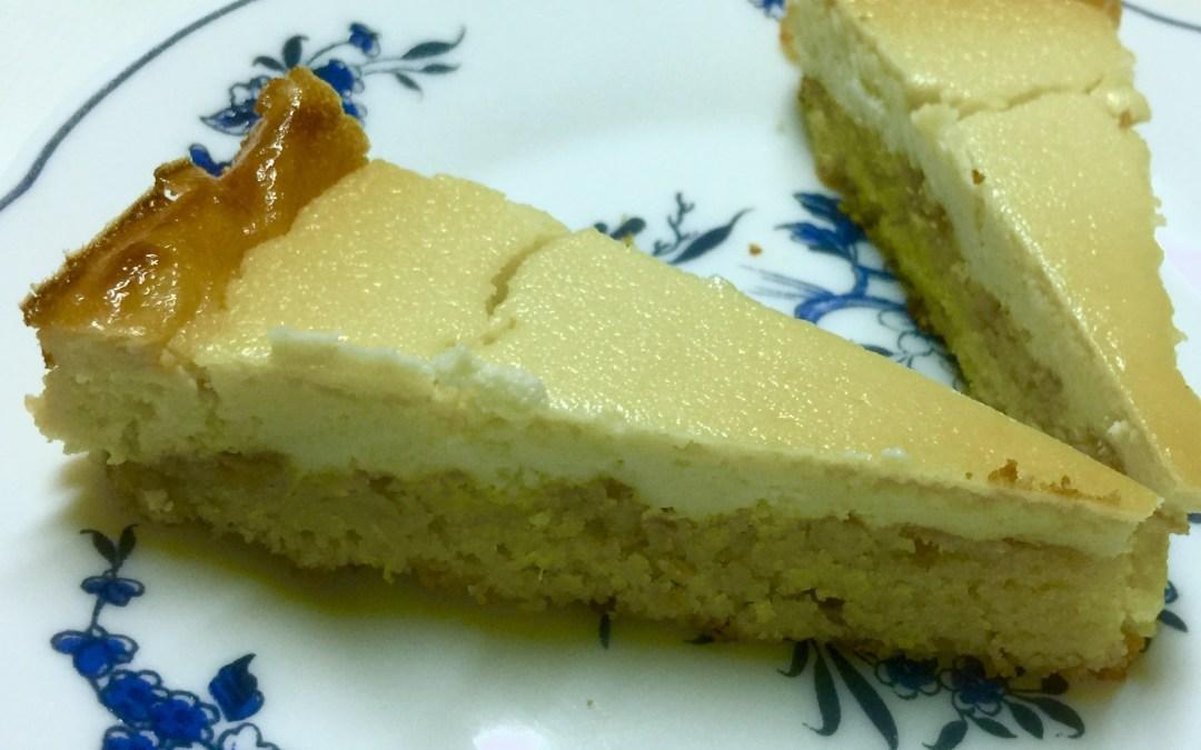 Tarta de queso de cabra con base de gató de almendras