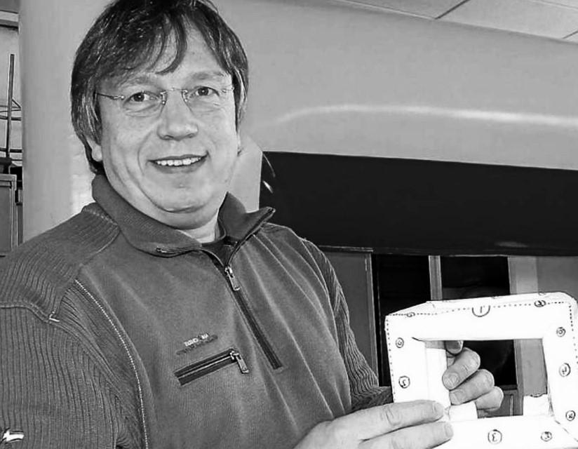 Günter Ganzevoort en 1994, inventó la primer pantalla de cine inflable del mundo.