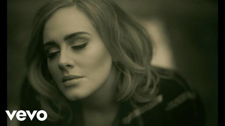 Adele al telèfon