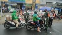 Sosialisasi PPKM Babinsa Koramil 02/TB Sasar PD Pasar Jaya Duri Selatan