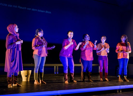 MY BODY BELONGS TO ME | Laila Soliman, Ruud Gielens | Festival Theaterformen 2019 | © Moritz Küstner