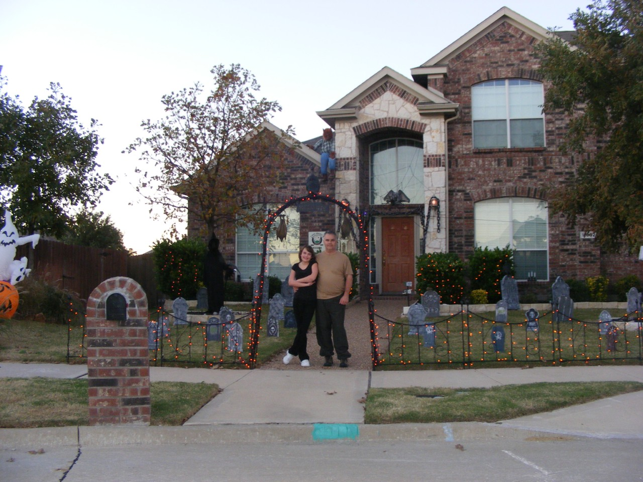 The Brooks Family  11002 Mansfield Dr