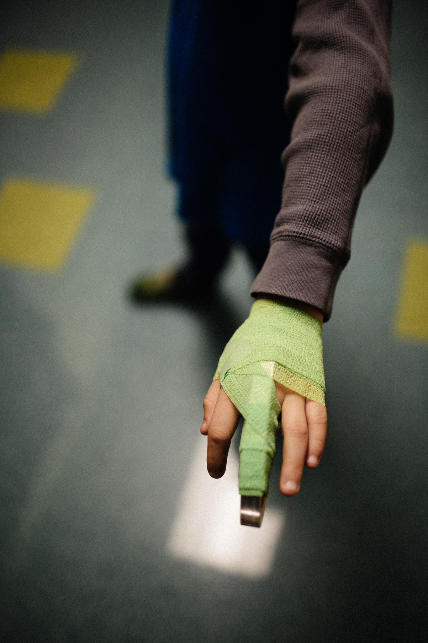 0104 finger-1