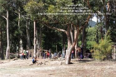 LUGNASAD 2011 - CONSTRUCCIÓN DAS CASETAS DOS CLANS - CEDEIRA 24 DE AGOSTO DE 2011 - FOTOGRAFÍA POR FERMÍN GOIRIZ DÍAZ (25)