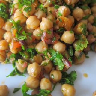 Turkish chickpea salad