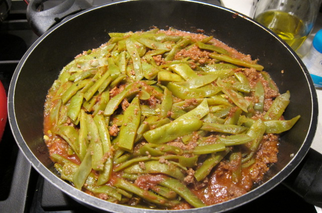 green beanswith meat also called etli fasulye in turkish