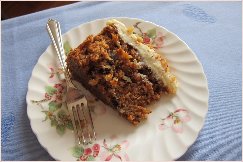 slice+of+carrot+cake.jpg