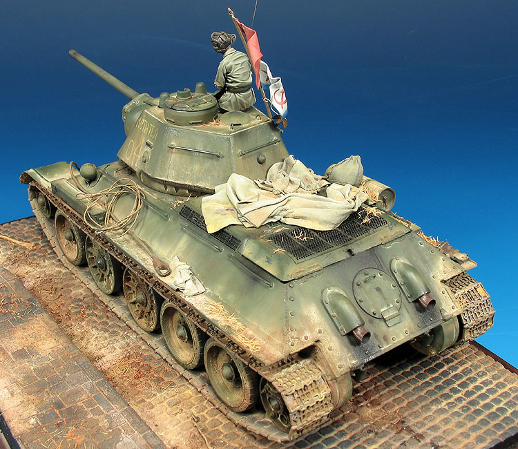 "T-34/76 Modelo 1943 ""Mstitel, One On The First Tanks Into"