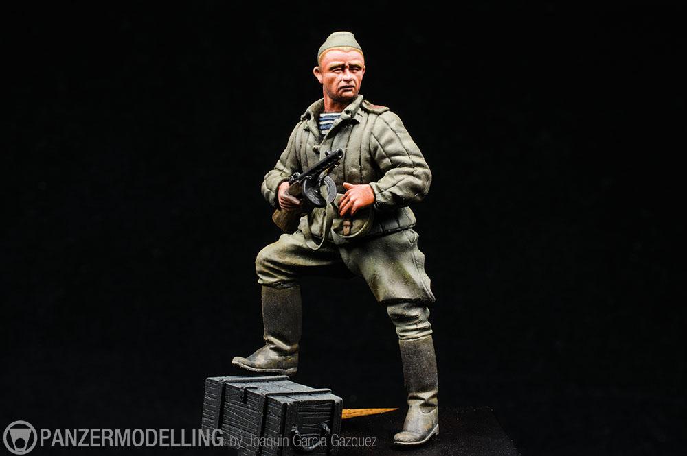"Pasión por las Figuras: ""Soviet Mladshiy Serzhant"" terminado."