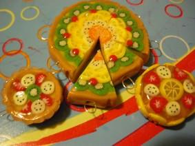 miniatura di torte alla frutta in fimo