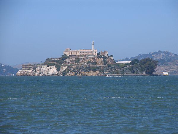 Alcatraz_prison_sea1
