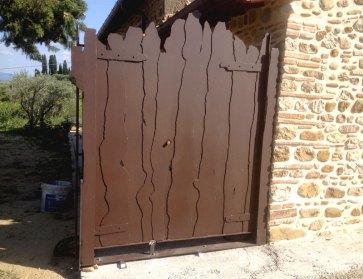 Cancello in ferro effetto legno