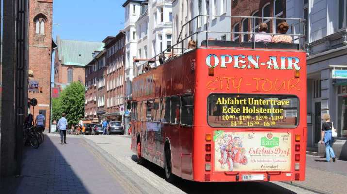 Open-Air-Bus in Lübeck