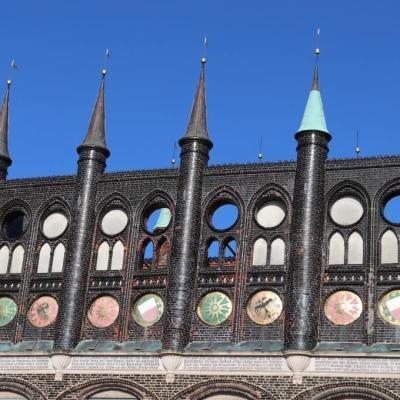 Schauwand am Lübecker Rathaus