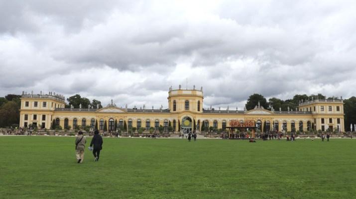 Das Sommerschloss Orangerie an der Karlsaue