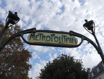 Die Metro in Paris ist die älteste Untergrundbahn der Welt