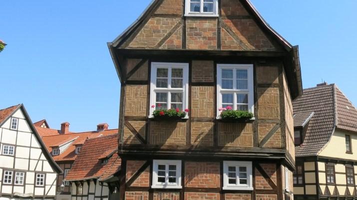 Das Haus Finkenherd 1 kennzeichnet den Ort, an dem Herzog Heinrich von seiner Wahl zum König erfuhr