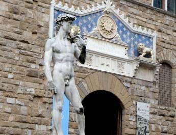 Der David von Michelangelo auf der Piazza della Signoria
