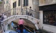 Über die Ponte dei Carmini gelangen Touristen zur Scuola di San Giorgio degli Schiavoni