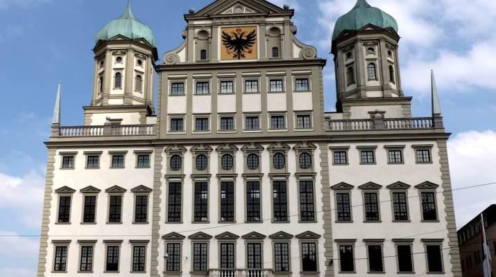 Das imposante Rathaus in Augsburg