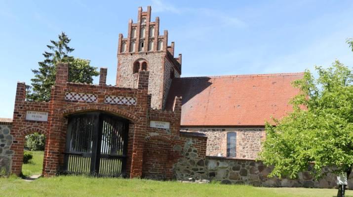 Im Inneren der Kirche in Herzberg (Mark) sind mittelalterlichen Fresken zu sehen
