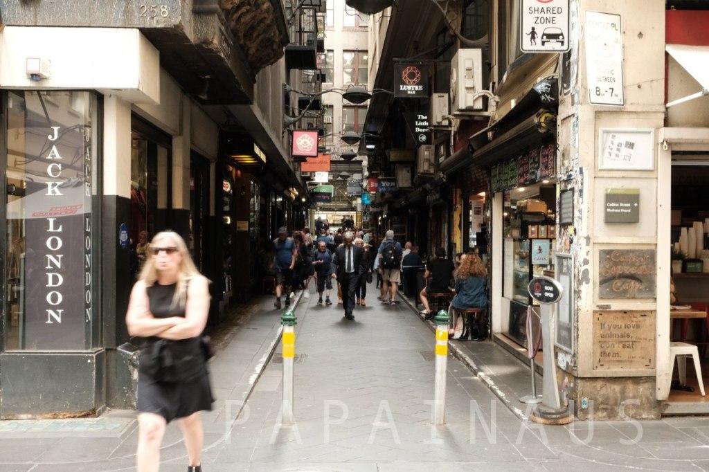 オーストラリア旅行ならサングラス、日焼け止めは必須