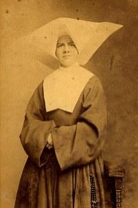 188? - Gabrielle LANDRIEU (22) - Fille de la Charité, avant son départ pour le Chili