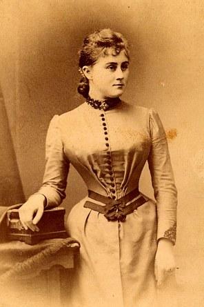 # 1888 Madeleine LANDRIEU (52)