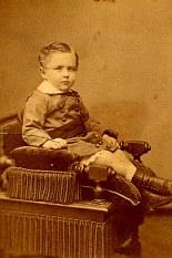 # 1877 - Philippe LANDRIEU (54) à 3 ans