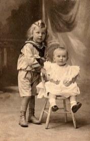 1905 - Marc (571) et Jacqueline (572) LANDRIEU