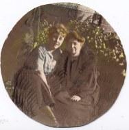 # 1910 - Anne-Marie DUPONT avec sa mère (211+21)