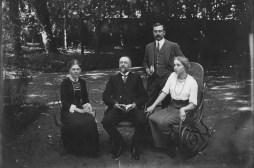 # 1911 - Charles BATAILLE (x 52), Charles CHEVREUX (x 521) et Renée BATAILLE (521)
