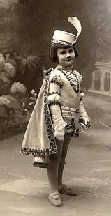 # 1912 - Simone LABARRE (562)