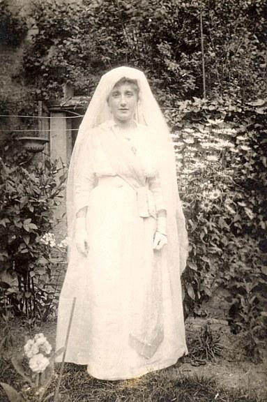 # 1920 - Lucie LANDRIEU (421)