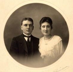 # 1920 - Lucie LANDRIEU (421) et Charles CAILLEAUX