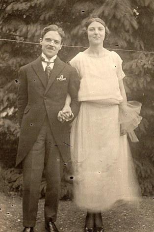 14 octobre 1923 - A St-Leu-la-Forêt (95) - Mariage de Max LANDRIEU (441) et de Monique BARBET