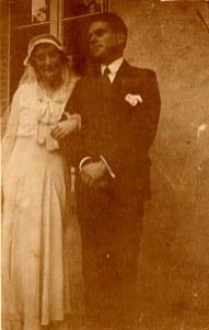 1931 - Mariage de Jacqueline LANDRIEU (572) et Paul BARLET
