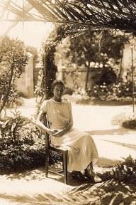 1932 - Élisabeth CHEVREUX (5211)
