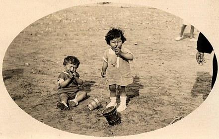 1929 - Bernard LANDRIEU (1711) et Jacqueline LANDRIEU (1731)