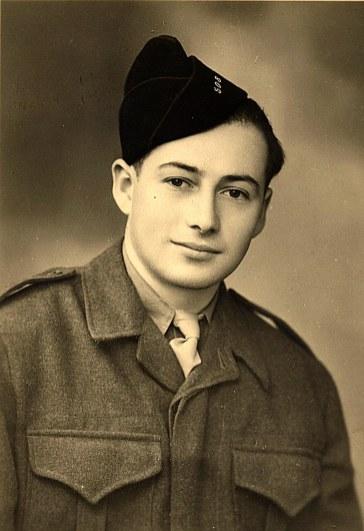 1947 - Bernard LANDRIEU soldat (1711)