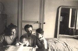 1947 - Chez les Laroche : Nicole LANDRIEU, Annie, Germaine, bébé Françoise LAROCHE