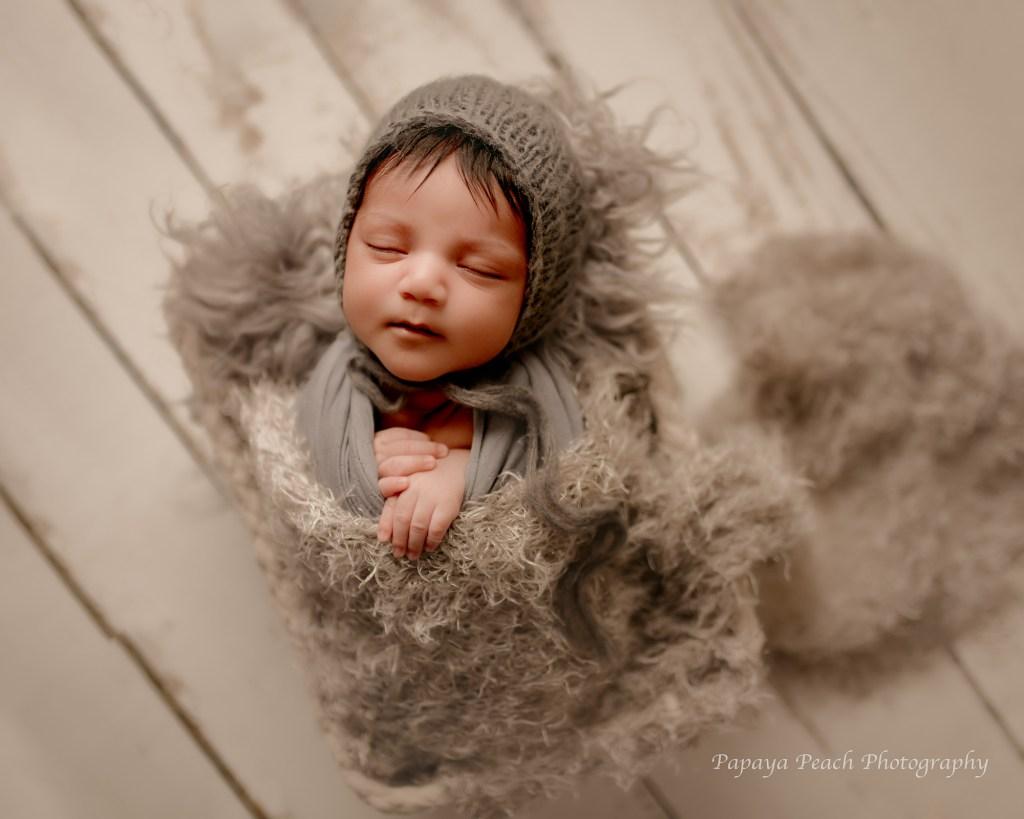 How to choose newborn photographer