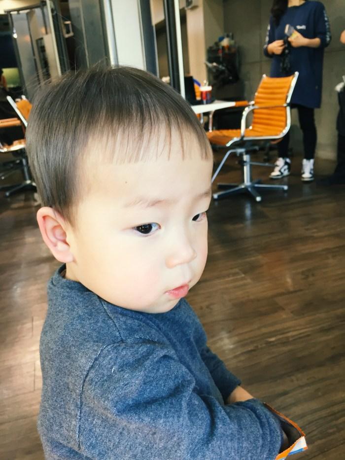 1歳8ヶ月、散髪リベンジ! 後ろ姿「前髪」