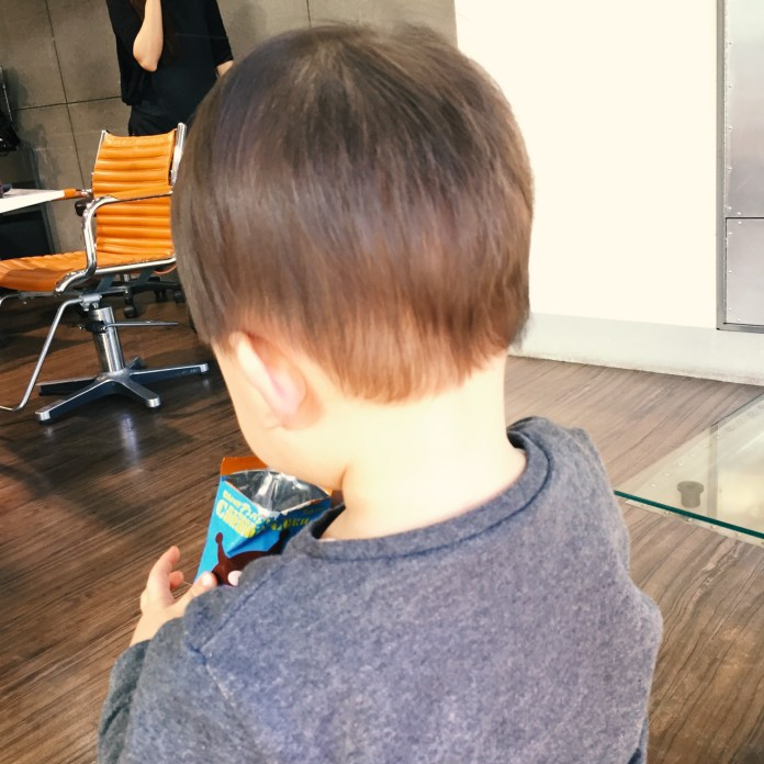 1歳8ヶ月、散髪リベンジ! 後ろ姿「えりあし」